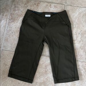 Columbia khaki color Size medium yoga Capri